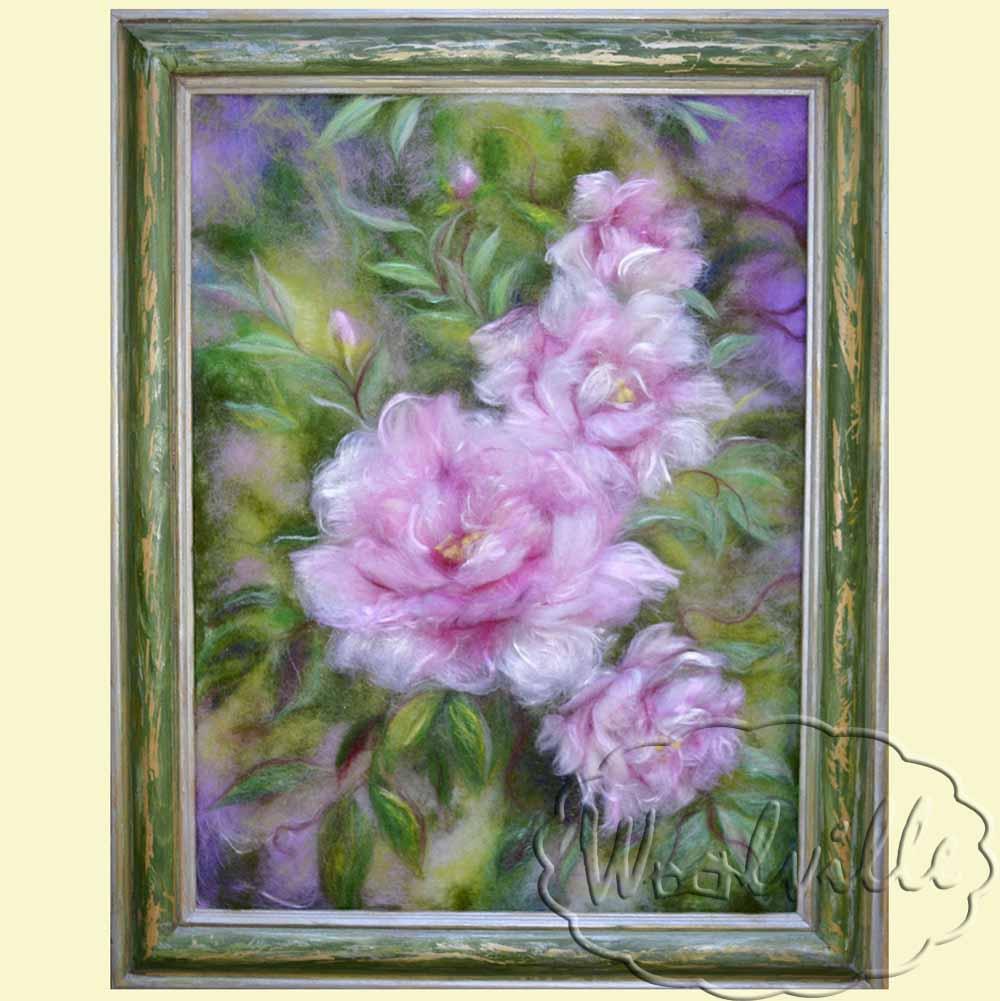 Картина из шерсти Розовые пионы