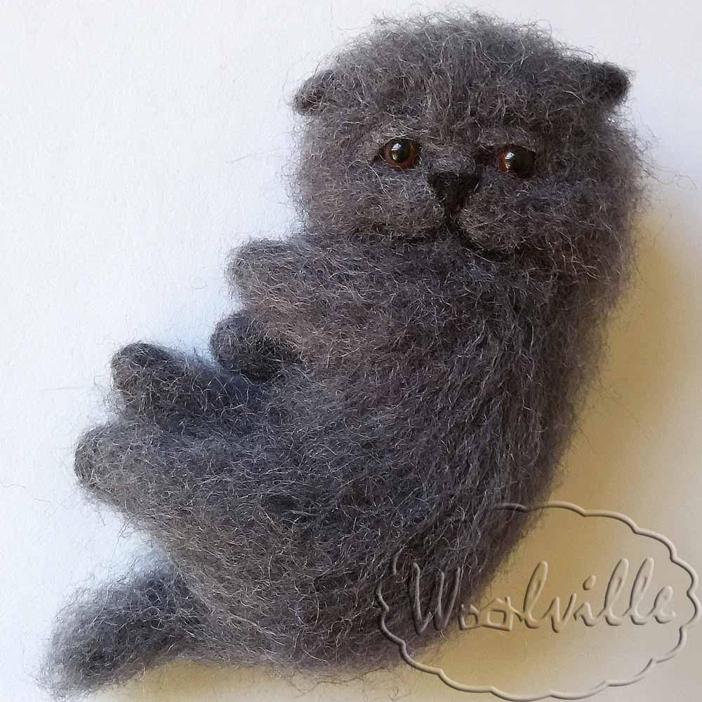 Игрушка котенок Дымок
