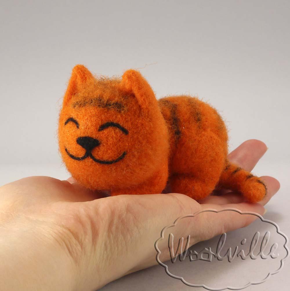 Игрушка из шерсти Рыжий котенок