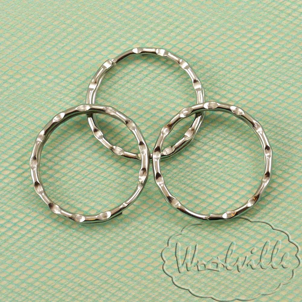 Кольцо под брелок рельефное 24 мм