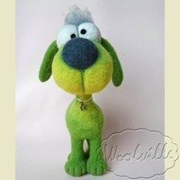 Валяная игрушка собачка зеленая 18 см