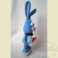 Валяная игрушка голубой кролик 26 см
